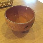 萬御菓子誂處 樫舎 - 冷たい煎茶