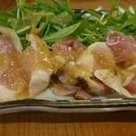 居酒屋ニューシンマチ - 赤鶏たたき