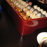 鶴八 - 料理写真:おまかせ握り(重箱)