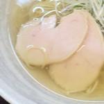 麺屋 廣島弐番 - 麺屋 廣島弐番(広島県広島市中区本川町)塩らーめんの鶏チャーシュー