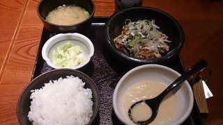 鳥元 三鷹コラル店 - 揚げ若鶏定食(税込820円)