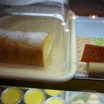 ビストロ ハシ - ☆ロールケーキも販売されていますね☆