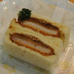 ケレス - 料理写真:ロースカツサンド