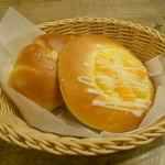 タローパン - フルーツフラワー&ジャムパン