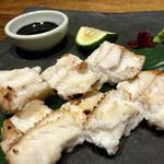 47537080 - ○アナゴの白焼き様、これまた慣れた一品ながらやっぱりさばきたての味わいは全く違う!