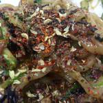 濃厚担々麺はなび - 早速味変に花椒ゴリゴリかけてからの昆布酢ドバっと!