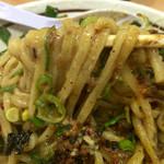濃厚担々麺はなび - 麺は結構太目のスクエアー状態で歯ごたえ十二分のモッチリ感~