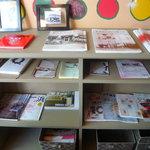 R cafe - 雑誌よcafeの本などたくさん♪♪