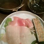 47541397 - 豚・とり&つみれのワサビみぞれ鍋:626円(税込)