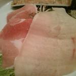 47541407 - 豚・とり&つみれのワサビみぞれ鍋:626円(税込)