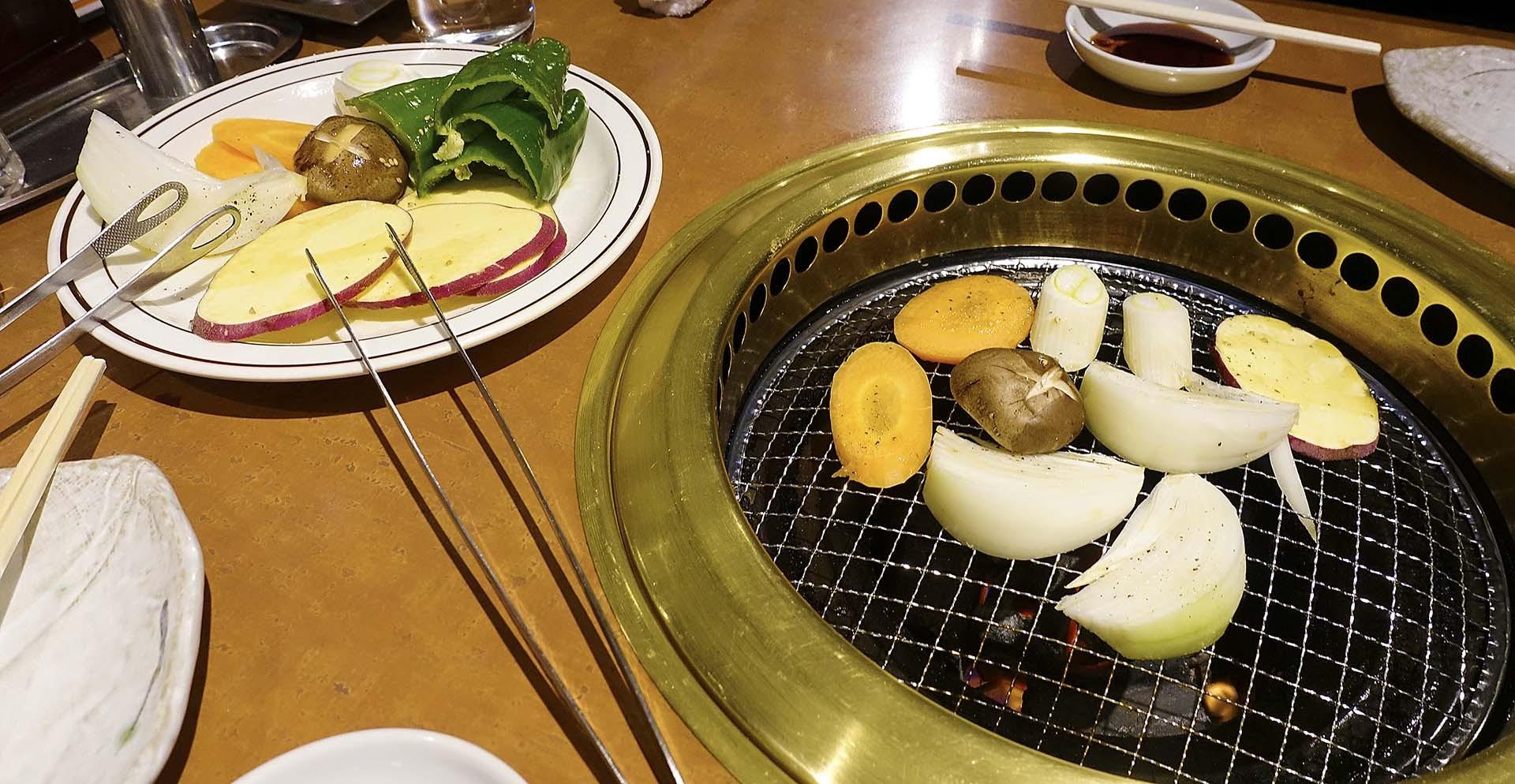 上野手 焼肉店