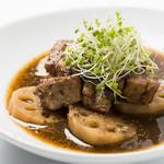 ワインカフェ下北沢 - 豚肉レンコンマスタード煮込み