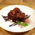 S.W.G cafe by ENLARGE - classic chocolate cake 600円
