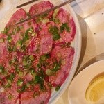 焼肉 尚州 - 当店自慢の塩タンです。