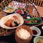 47555189 - 冬御膳 亀戸大根とブリの炊き合わせ、季節の天婦羅、金目鯛のお造り、豚の西京焼き