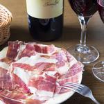 ばる あらら - スペイン料理といえばワインによく合う生ハム