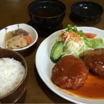 おかもと - 料理写真:メンチカツ定食600円