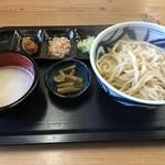 さかき地場産直売所 あいさい亭 - 料理写真:手打ちおしぼりうどん(680円)