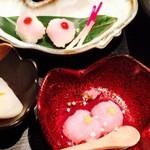 47558094 - 道明寺って大阪では桜餅?!