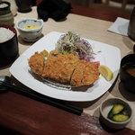 伊蔵 - トンカツ定食