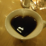 47561430 - ハート型カップのコーヒー