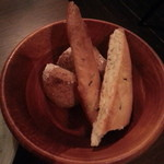 バルデビス - 自家製パン2種