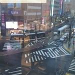 47561641 - 窓からは周回になった市電がよく見えます