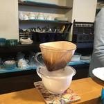 神戸シフォン - ドリンク写真:一杯ずつ豆から入れてくれるコーヒー!