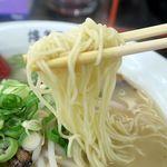 博多ラーメン 博多駅 - 博多らーめん、麺は固めで注文