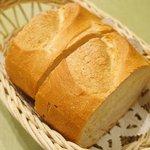 47567331 - ランチコース 2900円 のパン