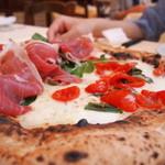 ピッツェリア・トラットリア ナプレ - ピザ マルゲリータと生ハム