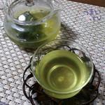 47574417 - 「祇園辻利 宇治冷煎茶 5g×15P入り」¥1,080(税込み)
