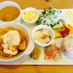 スローカフェ - 料理写真:ランチプレート 今日は、有田鶏のチキン南蛮風