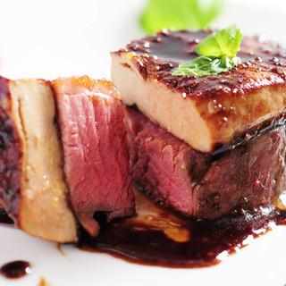 メインのお肉料理は原価70%以上!!