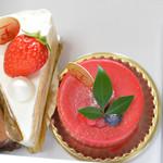 スイーツアトリエ楓菓 - 料理写真:つい最近新しくオープンしたケーキ屋さんで4つ購入