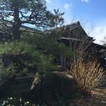 ほうとう処 慶千庵 - 中に入ると日本家屋