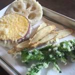 うどん はるかぜ - 季節野菜の天ぷら盛合わせ