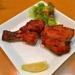 47586878 - タンドリーチキン(Tandoori Chicken)  (490円)