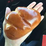 47587429 - クリームパン 150円(税抜)