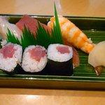 すし哲 - 寿司。
