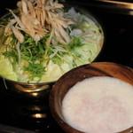 武蔵 - 雪見トロロもつ鍋
