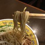 鳥勝 - 麺は中太麺です(*^_^*)♪
