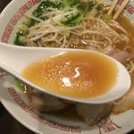 鳥勝 - 臭みのない透き通った牛骨スープ(*^_^*)