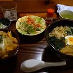 おおはし - ラーメン+ミニかつ丼のセット(1000円)