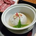 山の神 - ほっこりと美味しい「里芋のまんじゅう」