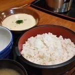 山の神 - 「麦とろろご膳 (1490円)」は、ご飯もたっぷり♪