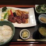 季乃香 - 牛さがりのステーキ 1000円
