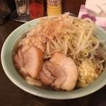 麺や あかつき - あかつき麺 野菜・にんにく・タレ・背アブラ(2015.12)