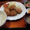 茶坊主 - 料理写真:ホタテフライ定食 ホタテはヒモ内臓付のベビーホタテ 煮物・スパゲティはかなり甘目