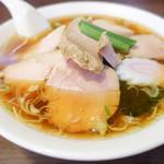 はつね - 透き通るスープチャーシューワンタンメン麺